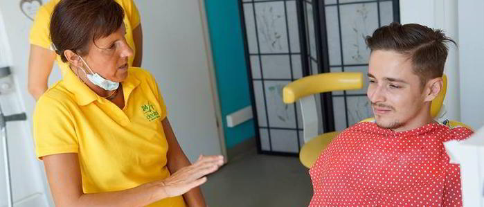 implantul-dentar-la-fumatori.jpg